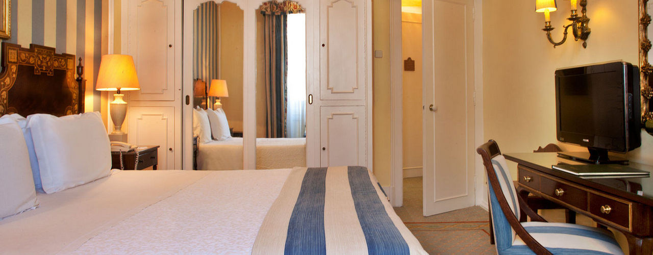 Lisbon Bed And Breakfast Palace Suite