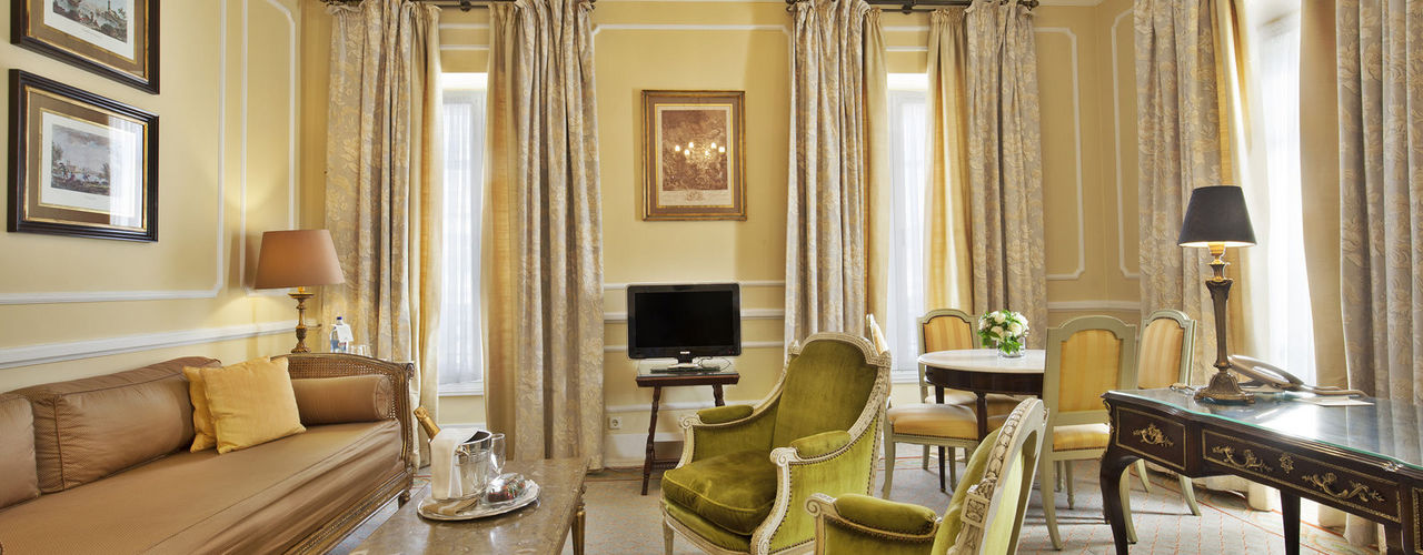 rooms and suites hotel avenida palace panoramic views. Black Bedroom Furniture Sets. Home Design Ideas
